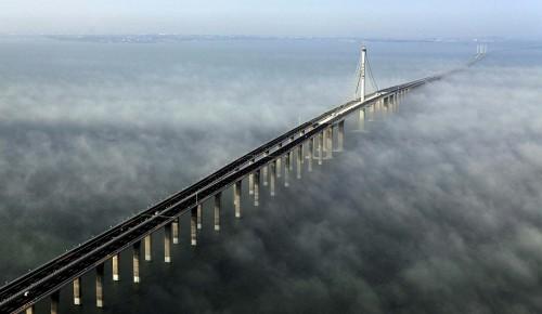 中国で青島市中心部と黄島部を結ぶ世界一長い橋「青島海湾大橋」が開通しま... 中国で世界一長い橋